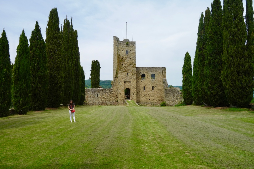 In the courtyard of Castello di Romera
